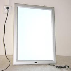 Biển hộp đèn siêu mỏng khung nhôm bật nắp 1