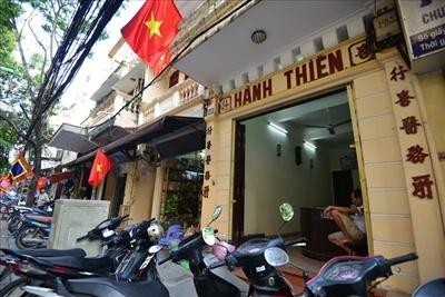 Những biển quảng cáo lâu đời nhất tại Hà Nội 6