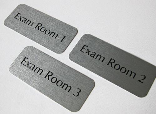 Biển tên phòng ban mica, inox, kính, gỗ 16